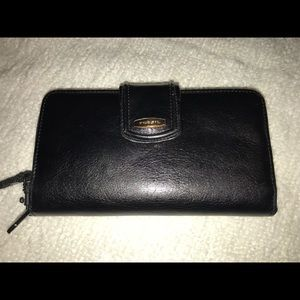 Fossil leather wristlet clutch wallet